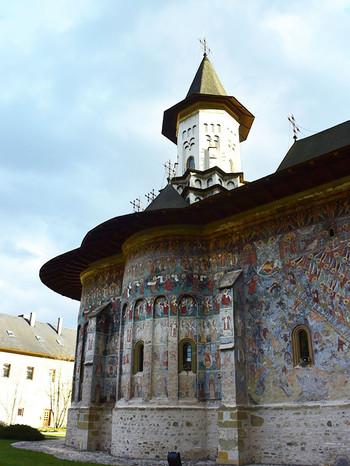 Monastery_sucevita3