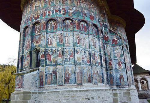 Monastery_sucevita6
